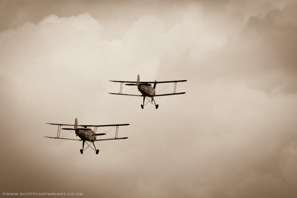 Vintage Bi-Planes