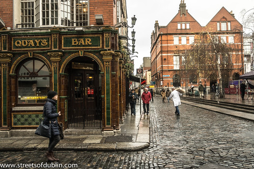 The Quays Pub In Temple Bar In Dublin On A Wet Friday | by infomatique