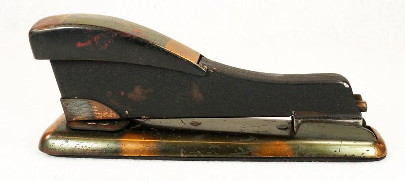 RD11756 Vintage Art Deco Stapler The Hotchkiss Sales Co. Norwalk, CT Model 120 DSC02413