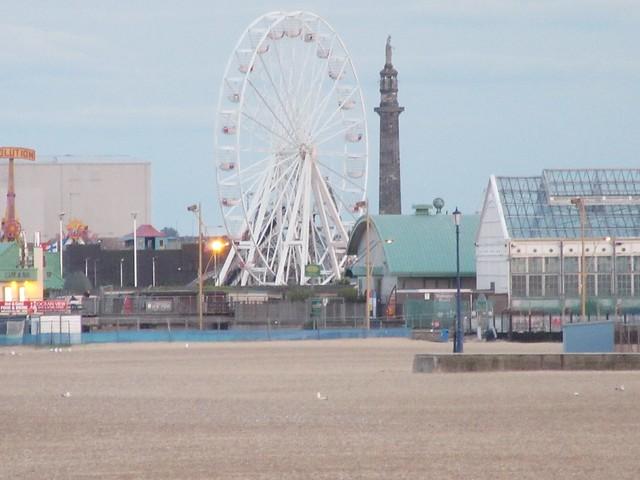 Big Wheel & Norfolk Naval Pillar