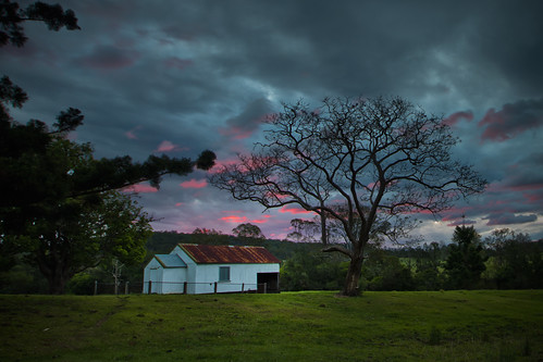 road old sunset church barn glen innes leefilters chambigne 06gradndhard 09gradndsoft