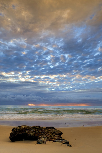 ocean lighting camera light sea sky colour beach water clouds digital sunrise lens photography sand aperture nikon rocks exposure flickr waves australia newsouthwales colourful urunga nikond90 raychristy hungryheads