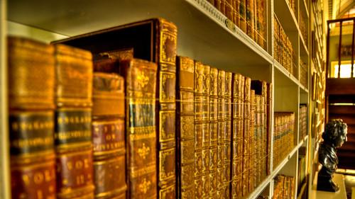 Warm Books (16:9) | by mendhak