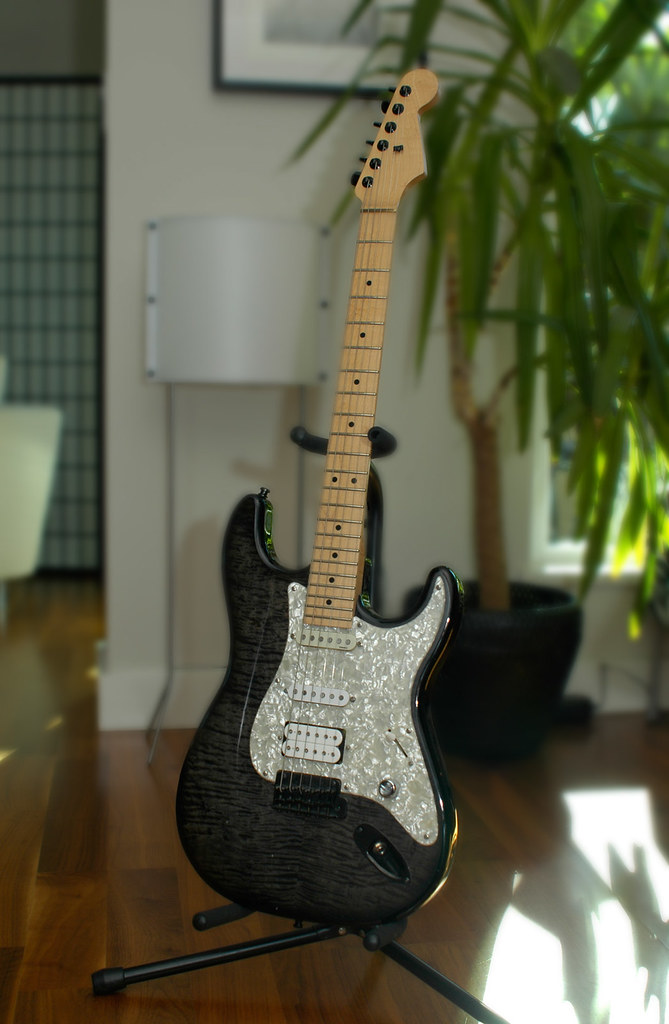 Guitar with some nostalgia -- Warmoth/Fender Custom Strato