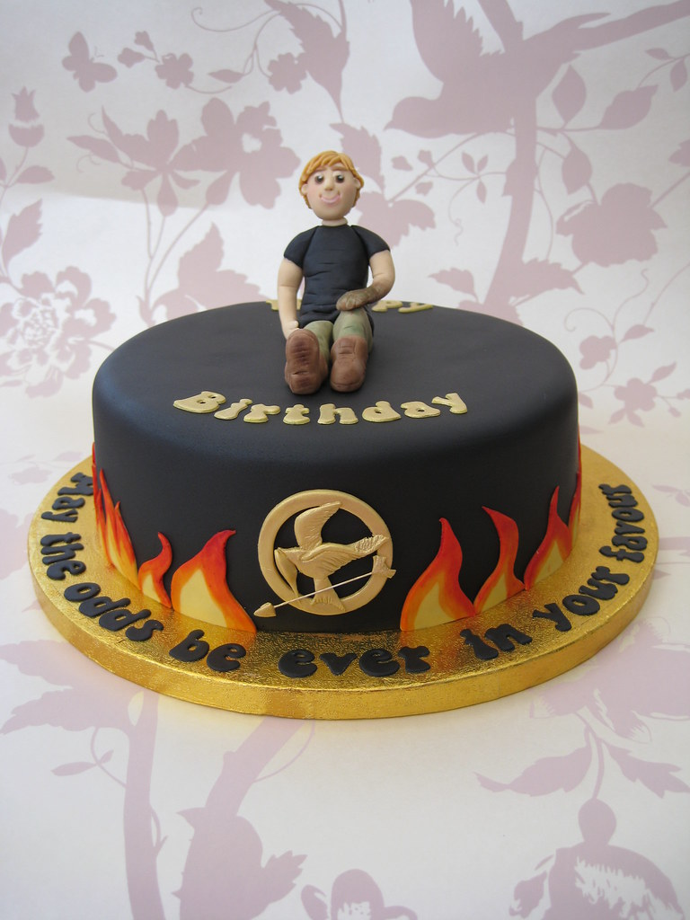 Peachy Hunger Games Birthday Cake A Friends 15 Yr Old Daughter D Flickr Funny Birthday Cards Online Hendilapandamsfinfo
