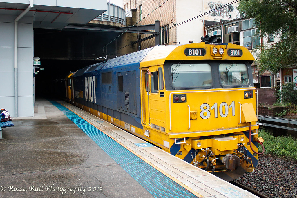 9126 containers @ Hurstville led by 8101/8128 by Roy
