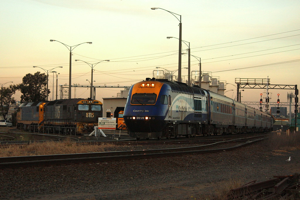 Sydney bound XPT by LC501