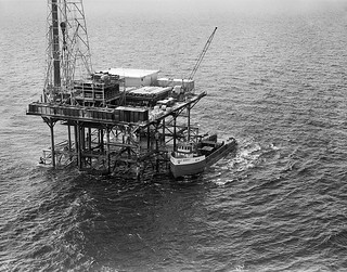 Gulf Oil Corp., Gulf Service Boat & Fixed Platform Rig