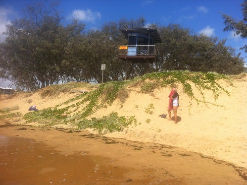 Kelly's Beach Bargara and Moneys Creek Lagoon at High Tide. Dunes eroding at high tide by Surf Club. Lagoon entrance spit almost submerged. Causeway only 30cm above high water | by Witness King Tides