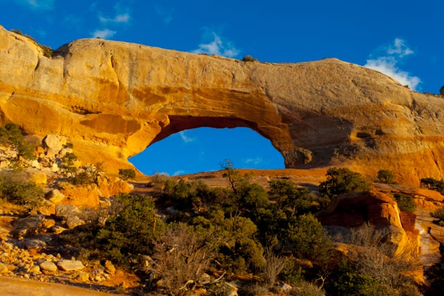 Wilson Arch, south of Moab, UT