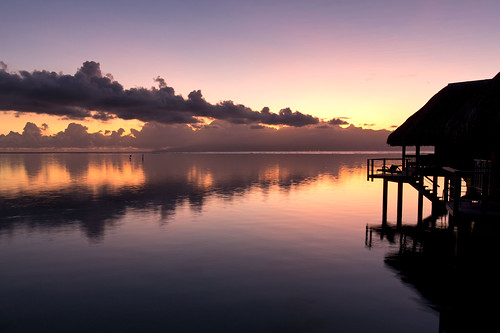 reflection water sunrise dawn paradise lagoon tropical tahiti bungalow moorea frenchpolynesia