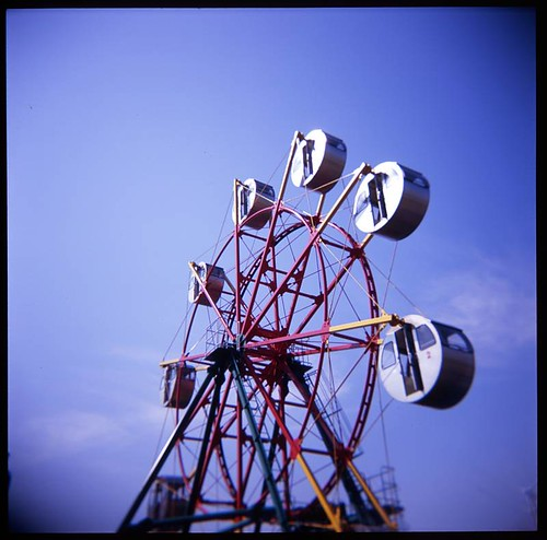 Small Ferris wheel | by daita
