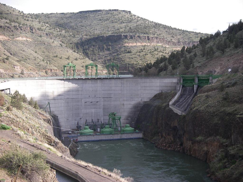 Pelton Dam, Deschutes River