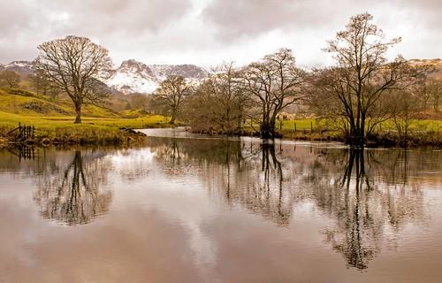 lakedistrict harrisonstickle langdale water reflections