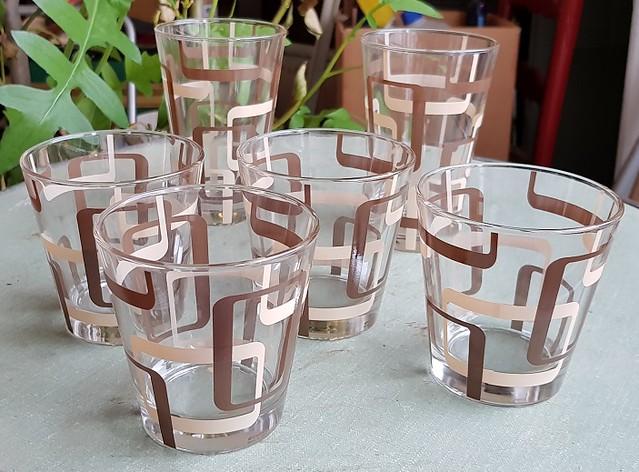 Bicchieri marroni