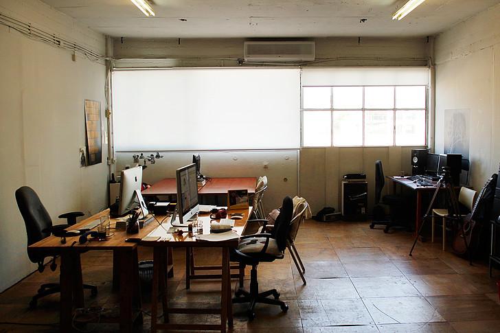 חלל העבודה המשותף בו The Studio מארחים יוצרים עצמאיים נוספים