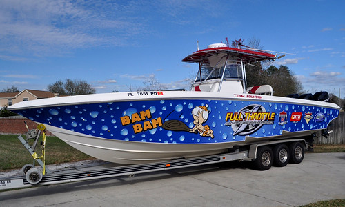 Orlando boat wrap graphics by TechnoSigns Orlando