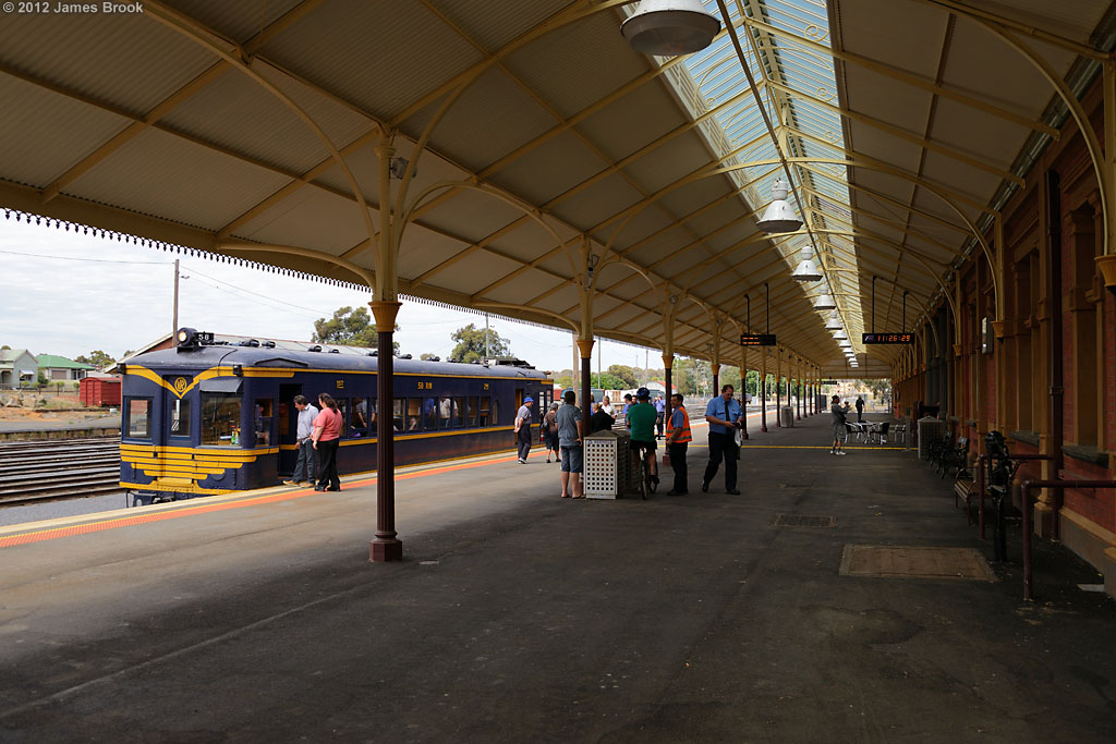 58RM at Maryborough with 8193 by James Brook