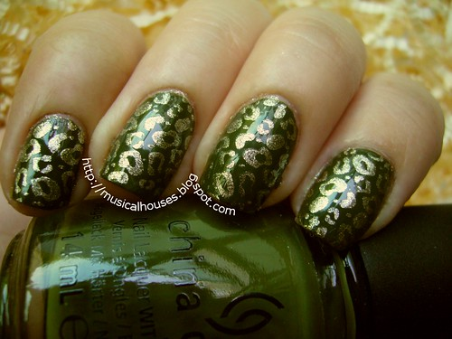 green gold leopard nails 2 | by musicalhouses