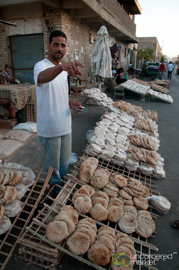 Egyptian Flatbread At The Hurghada Market Egypt Egyptian Flickr