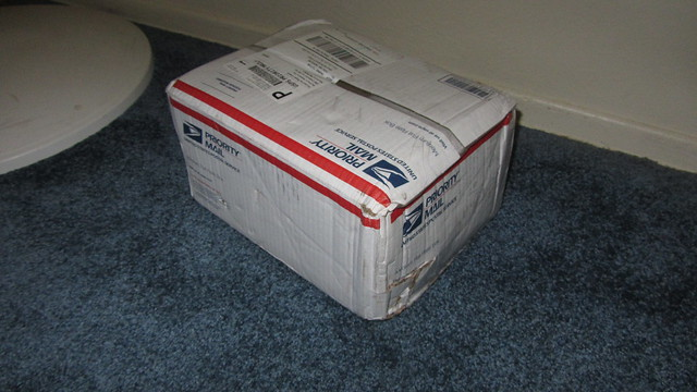 IMG_2887 beat up USPS box from battery supersite amazon