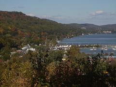 日, 2012-10-21 12:27 - 紅葉 Piermont を見下ろす