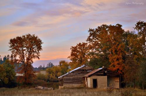 california travel sunset barn photography nikon farm auburn nevadacounty d5100 jifree