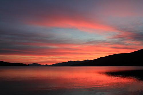 pink mountain lake reflection clouds contrast sunrise lakegeorge lakegeorgeny