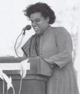 April Mayes '94, current Pomona College assistant professor of history, was the Class Day speaker in 1994