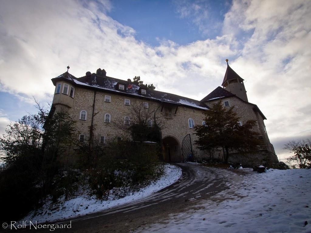 Un Chateau Dans Les Nuages neiges et nuages   burg teck, schwäbische alb, germany   ex