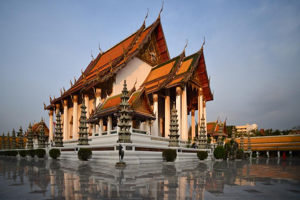 Wat Suthat temple   Nicolas Lannuzel   Flickr