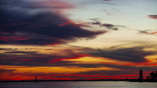 sunset lighthouse lake clouds canon fire louisiana madisonville lakepontchartrain tchefuncteriver 5dmarkii sigma70200mmf28exdgapooshsm tyalexanderphotography