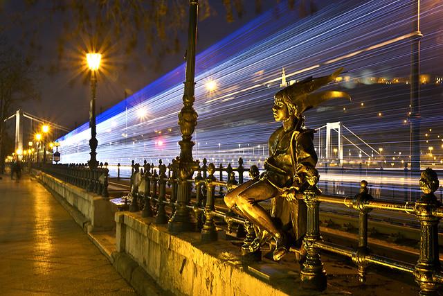 A Kiskirálylány és a fényvillamos / The Little Princess And The Light Tram (Budapest)