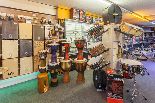 KEYMUSIC Brussels | music shop, guitar store, musical instruments