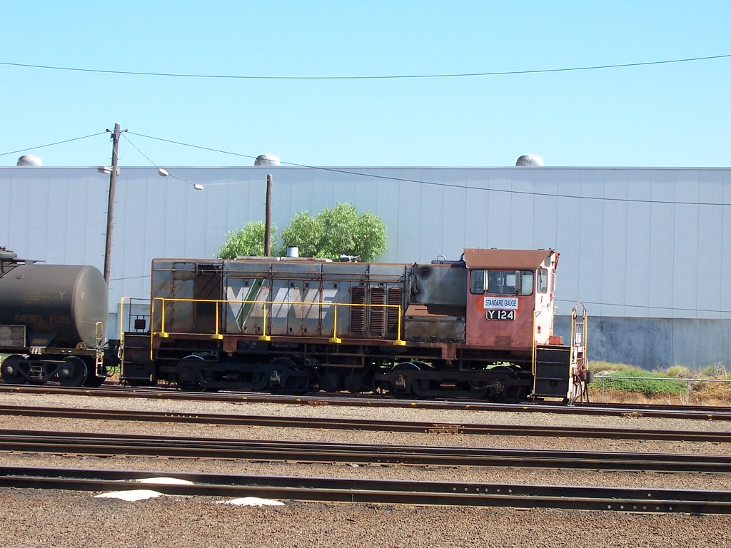 Y124 at Dynon by Alan Greenhill