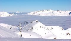 Lanovka v oblacích pod Mont Blancem