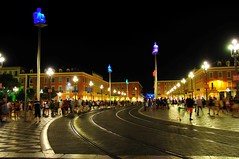 Ницца - в центре города ночью