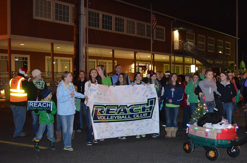 Reach-volleyball-club-santa-parade8