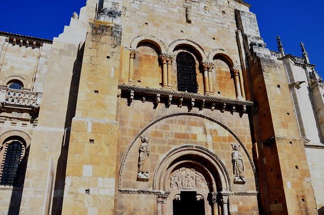 214 - Portada del Perdón - Basílica San Isidoro de León (Spain).