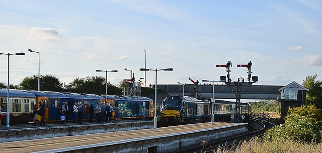 Class 68 Short Set departs from Gt Yarmouth at 17.30 to Norwich, as the GBRf Railtour passengers watch. 09 09 2016