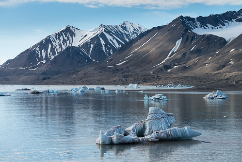 arctic svalbard kongsbreen spitzbergen travel polar landscapes icebergs glacier ice norway kongsfjorden nyålesund svalbardandjanmayen sj