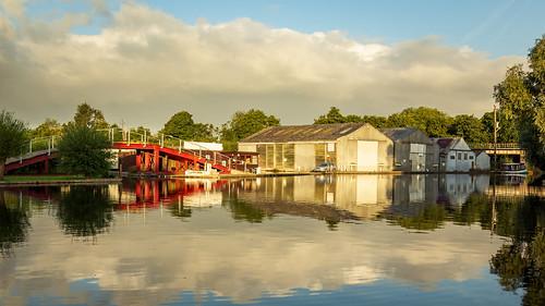 norfolkbroads earlylight wroxham red riverbure bridge river