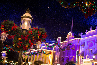 Magic Kingdom - Christmas Time on Main Street | by Jeff Krause Photography