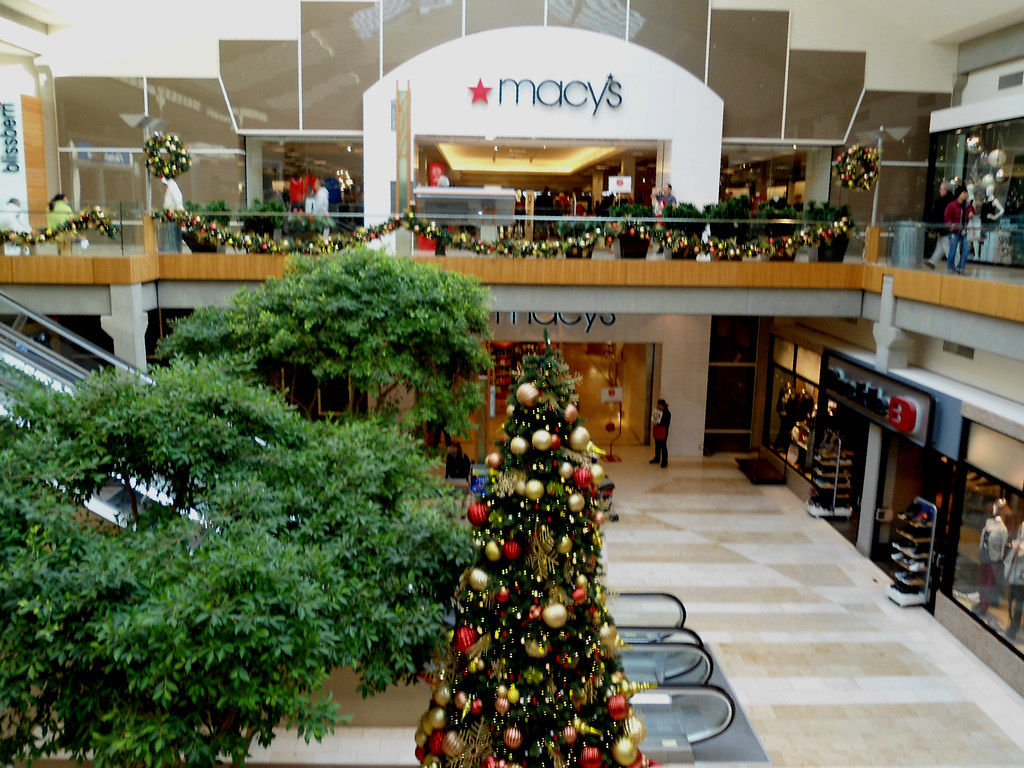 Bellevue Square Mall >> The Bon Macy S At Christmas Bellevue Square Mall Wa Flickr