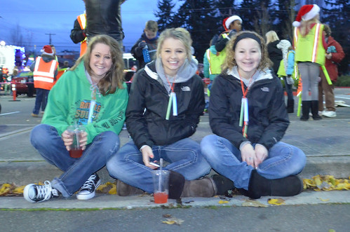 Reach-volleyball-club-santa-parade2