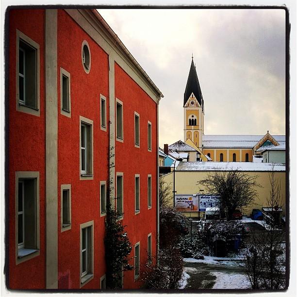 Max-Reger-Haus und Josefskirche Weiden