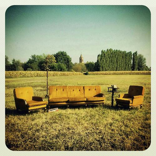 summer field living instagram