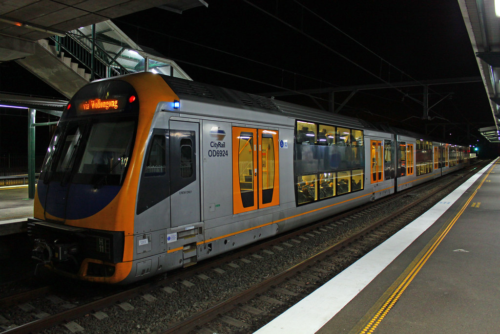H11 at Thirroul by Thomas