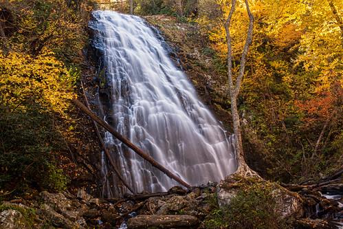 travel autumn fall other fallcolors north waterfalls carolina crabtreefalls