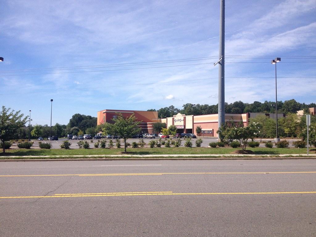 Carmike Hickory Nc >> Carmike 14 Valley Hills Mall Amc Hickory Ridge 14 Hi Flickr